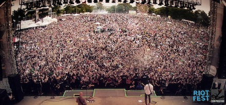 2013_09_riot_fest_crowd_shot