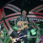 Stage Buzz - Live Review & Live Shots: Garth Brooks