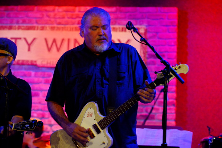 Photo Gallery – 5 Nights with Los Lobos