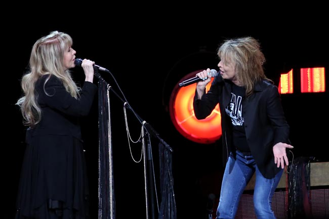 stevie-nicks-and-chrissie-hynde-373a3037