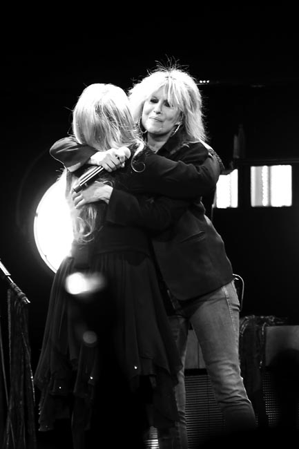 stevie-nicks-and-chrissie-hynde-373a3090