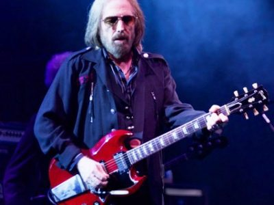 Live Review and Gallery: Tom Petty and the Heartbreakers with Chris Stapelton at Wrigley Field