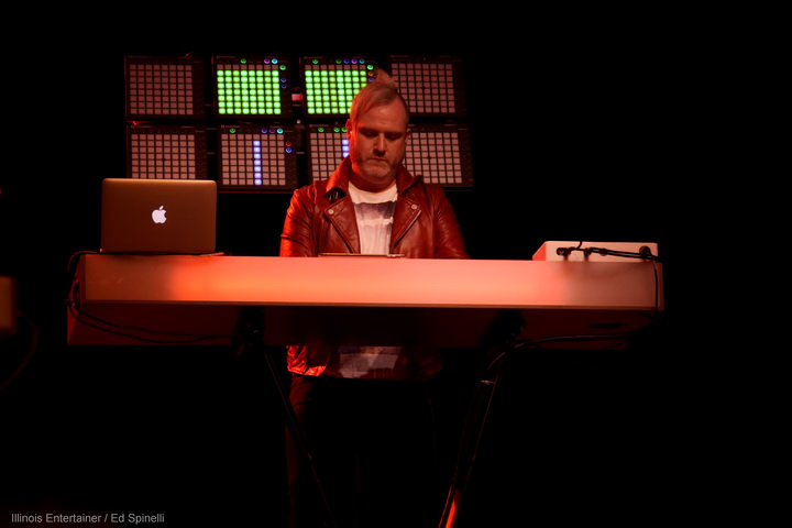 06-HowardJones-11