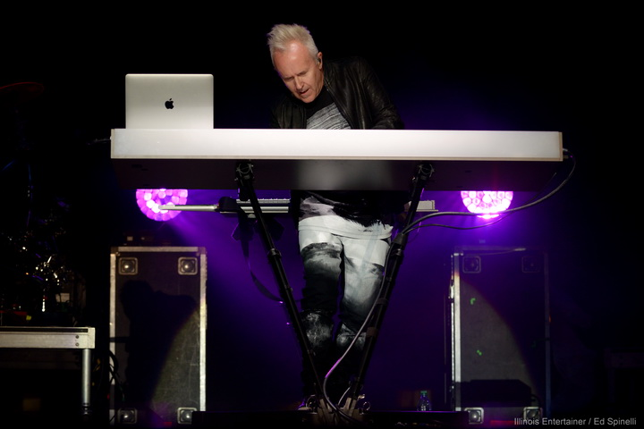 06-HowardJones-14