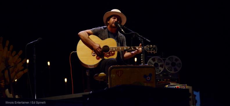 10-Eddie Vedder-04