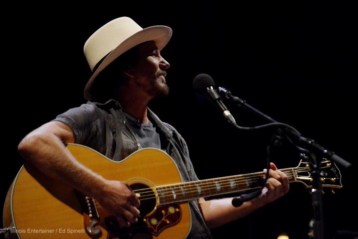 10-Eddie Vedder-05