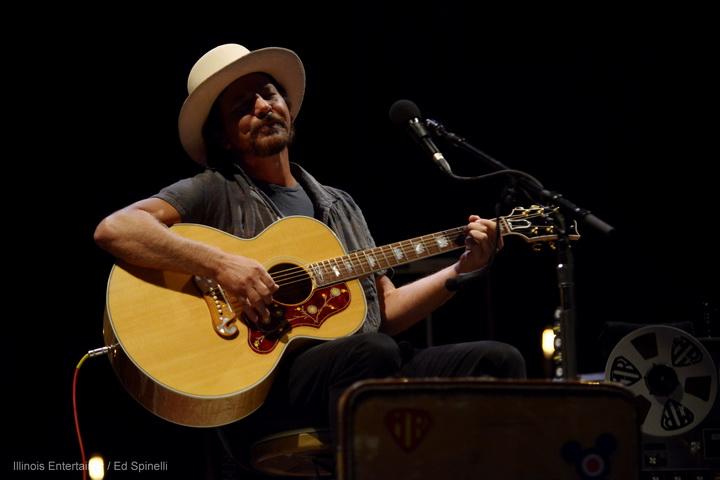 10-Eddie Vedder-07