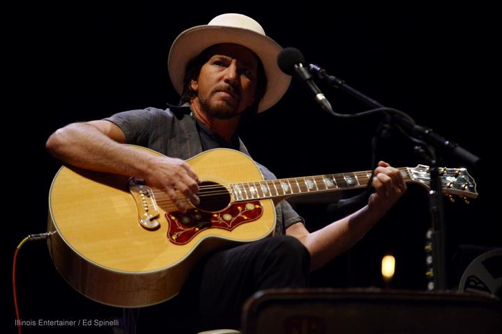 10-Eddie Vedder-09
