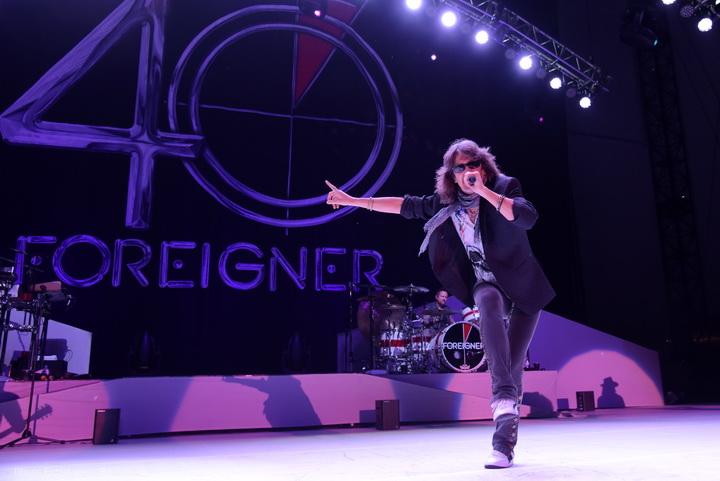 Foreigner 15