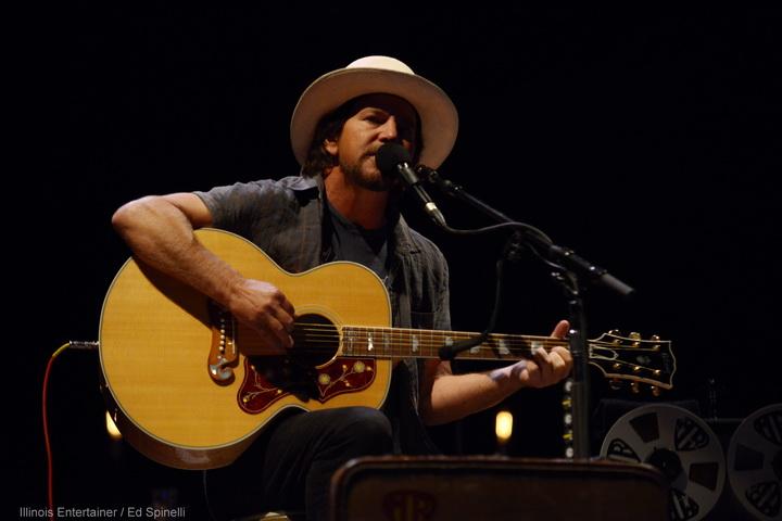 10-Eddie Vedder-02