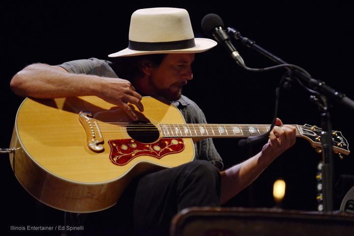 10-Eddie Vedder-03